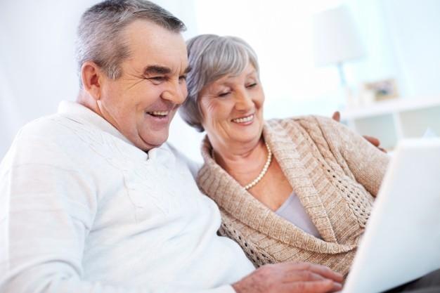 Consejos para evitar robos y fraudes a personas mayores
