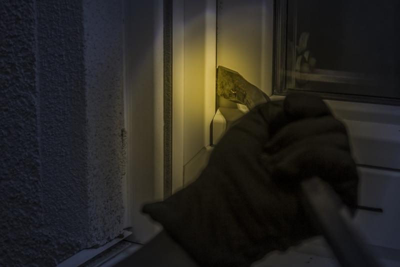 ¿Cuáles son los métodos más utilizados por los ladrones para acceder a las viviendas en la actualidad?
