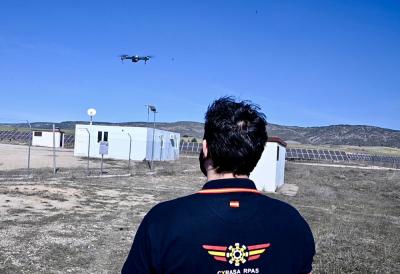 ¿Cómo volar mi dron de manera segura siguiendo las normas establecidas?