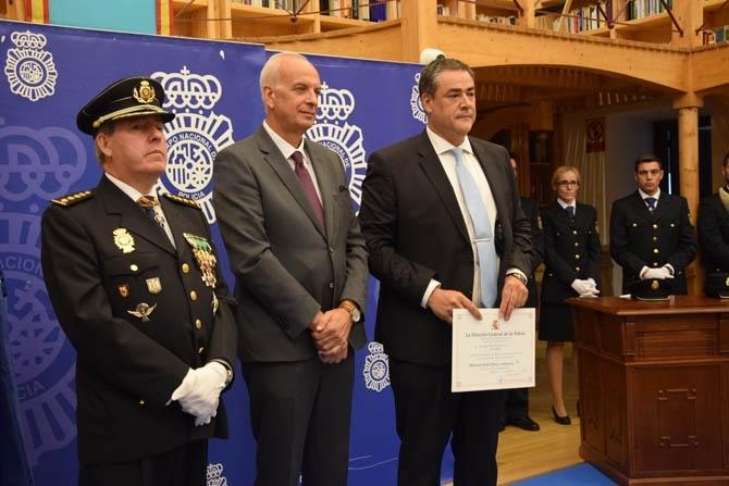Menci�n honor�fica para Jes�s Triguero Sevilla en el D�a de la Polic�a Nacional