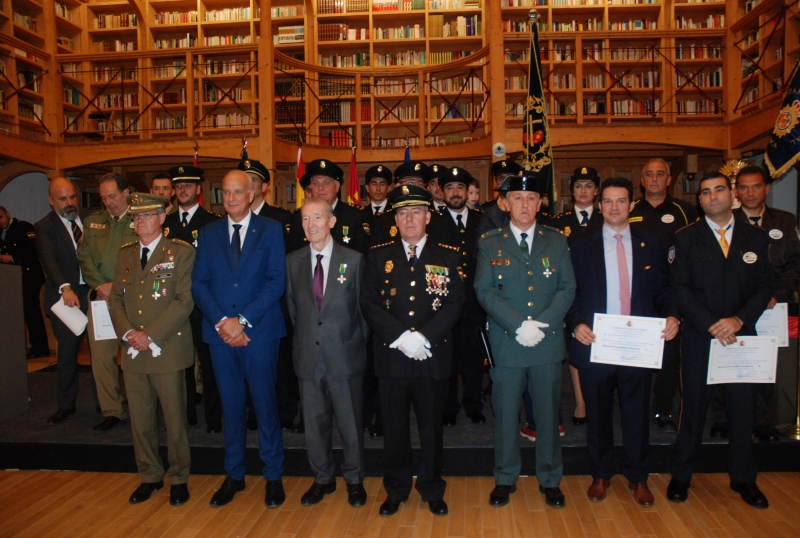El personal de Cyrasa Seguridad recibe dos menciones honoríficas en el acto celebrado con motivo del Día de la Policía Nacional